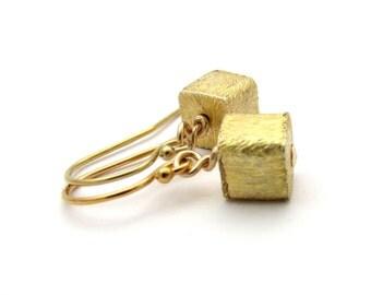 Tiny gold cube earrings, small gold earrings, geometric jewelry, gold square earrings, rustic gold vermeil earring, modern minimal jewelry