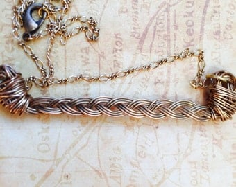 Glitssy Brass braided bar necklace