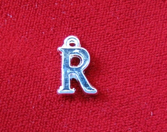 "10pc ""R"" charms in silver style (BC684)"