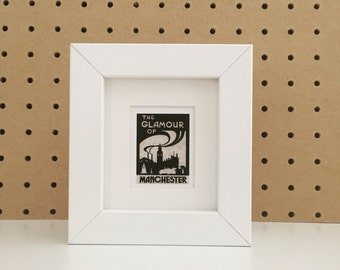Glamour of Manchester Shelf Frame in White