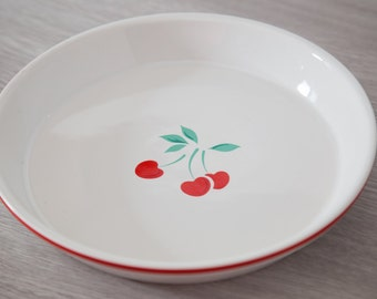 "Rare Vintage Cherry Pie Plate with ""Berries Jubilee"" Design / Made in Japan"
