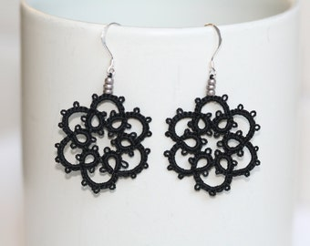 Black Flower Tatted Earrings, Tatted Earrings, Tatted Jewelry