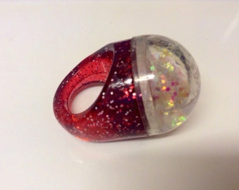 Vintage Kitsch Red Plastic Glitter Dome Ring - Gumball Ring
