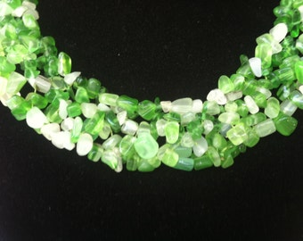 Green and White glass choker necklace