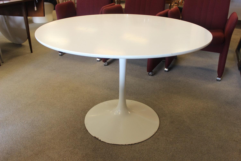 Burke Tulip Dining Table Round Knoll Saarinen Era Mid Century Modern
