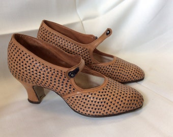 Vintage 20's/30's french women's shoes  Brown plaited leather by Perlios