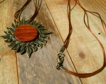 Gwen - A Cocobolo necklace (limited edition)