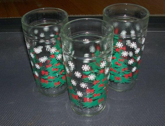 Vintage christmas drinking glasses qty