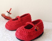 Lady Bug baby crochet shoes, Red baby shoes,  Crochet Baby Girl Booties, Crib shoes, Baby Girl Booties, Baby Shower Gift