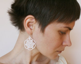 White lace earrings, white earrings, lace bridal jewelry, bridal earrings, wedding lace, modern wedding, tatting jewelry.