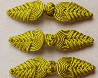 Chartreuse frog closure. Chevron knot. Set of 3