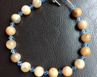 Natural Mother of Pearl and Swarovski Crystal Bracelet