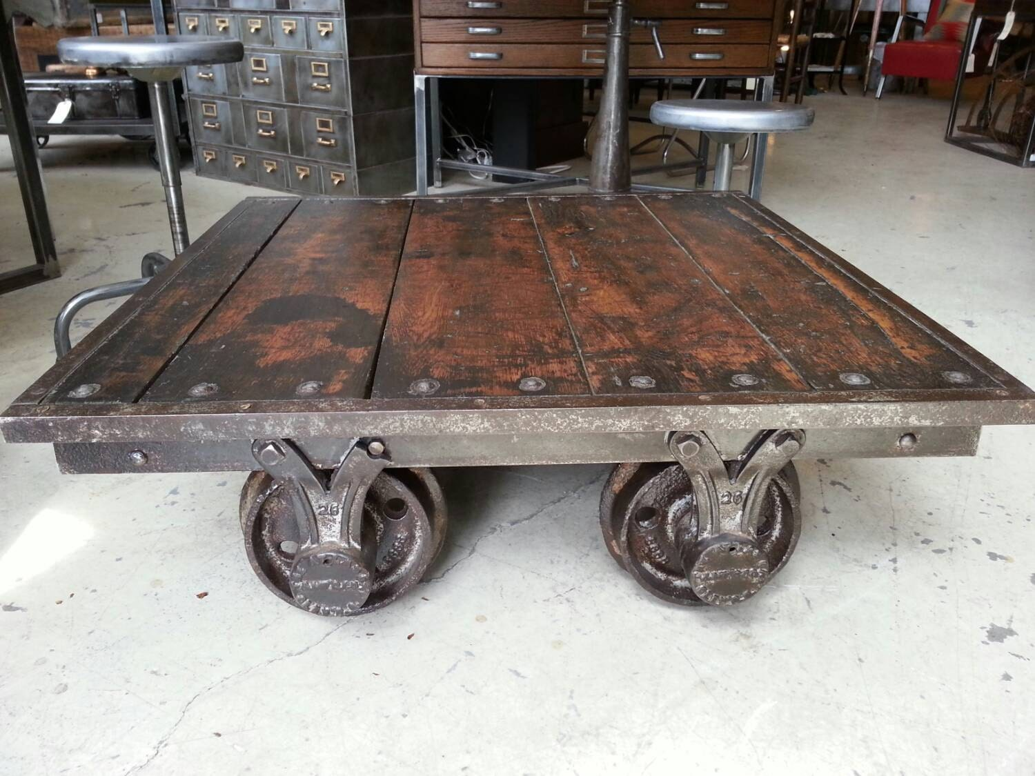 ... Vintage Industrial Railroad Cart Coffee Table. 🔎zoom - Vintage Industrial Railroad Cart Coffee Table
