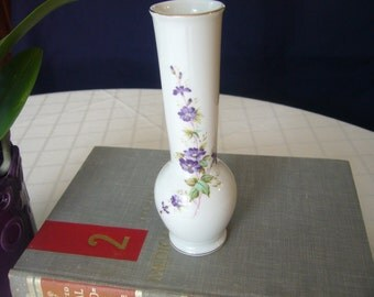 Vintage 1985, Lefton, Violettes and Gold Trim Bud Vase, Japan