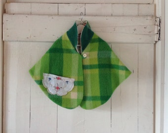 Children's Toddler Girls winter Cape.Pure wool.size 2 to 3.