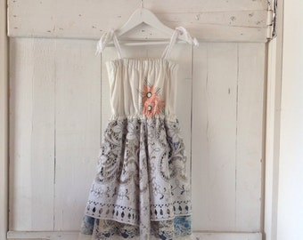 Children's Girls Vintage Lace Doiley Dress.size 4 to 7.