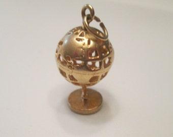 14k Hallow 3D Globe Charm