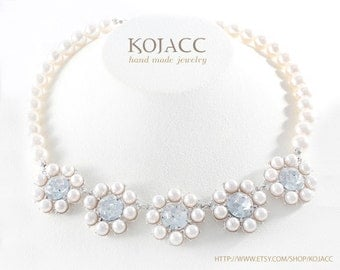 5 flower shaped pearl necklace for wedding and social event / good for your mother