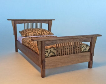 Stickley Inspired bed in Walnut 1:12 scale. Arts and Crafts style. Mission style. Dollhouse. Furniture Model.