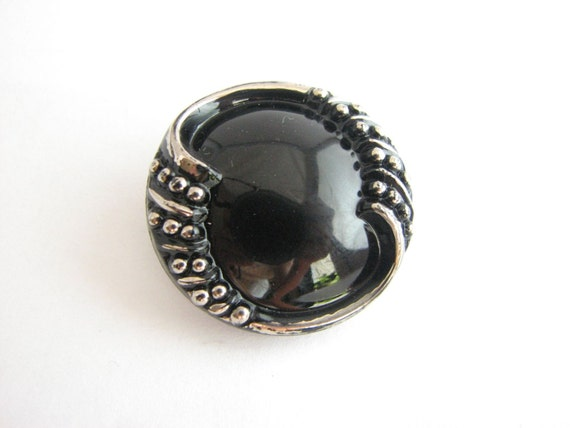 https://www.etsy.com/listing/240486599/large-vintage-black-glass-button-silver?ref=shop_home_active_8