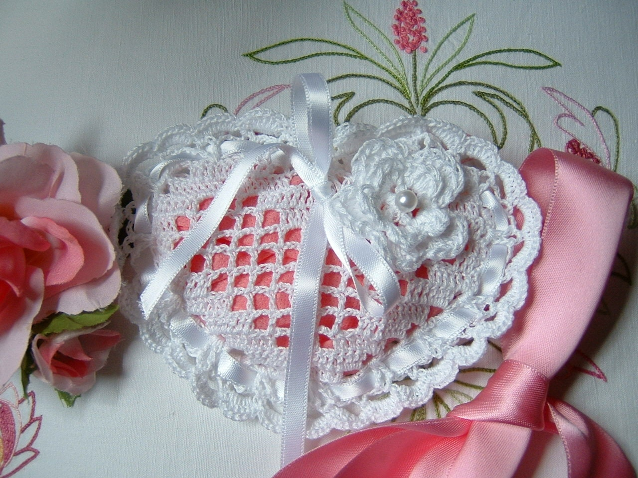 Crochet Wedding Gift: Crochet Wedding Favor Bag. Cotton White Heart Shaped Wedding