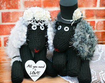 Romantic gift for the couple, Handmade sheep, Handmade couple with heart, Wedding gift, Mr and Mrs, Country wedding decor
