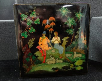 Russian Palekh Tradition Painted Lacquer Box