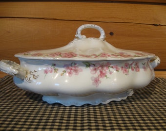 Johnson Brothers England Pink Dogwood Covered Dish, Bowl