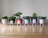 Small Three-legged Cat Planter in seven colours - stilts/legs - cute animal succulent / seedling pot - pottery