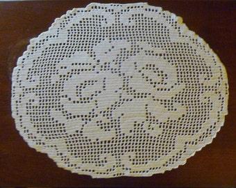 Rose Table Topper/Large Doily - Filet Crochet