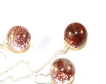 jewellery set with botanical form