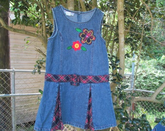 Girls  size 6 Denim  Jeans  Dress  with embroidrie