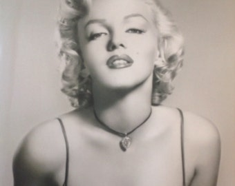 Marilyn Monroe Necklace poster 16 x 20