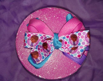 Doc McStuffin's hair bow is perfect for all seasons and girls of all ages!