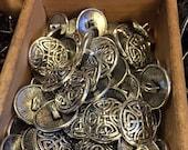 17 mm silver color celtic knot metal shank button, set of 10