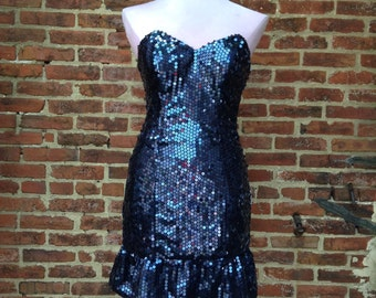 Vintage 90's sequin navy blue strapless party dress. Size small