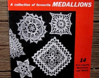 PARAGON CROCHET BOOK R1 Collection of Favourite Medallions 1950s