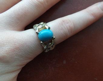 Vintage blue stone ring.