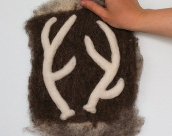 Mini Silhos Felted Antlers Wall Hanging