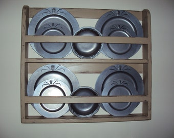 Plate shelf, plate rack, wall shelf, vintage shelf, handmade plate shelf, handmade plate rack, primitive shelf, plate display