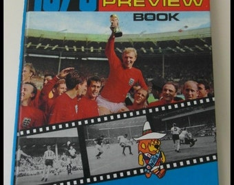 1970 Official World Cup preview hardback book.