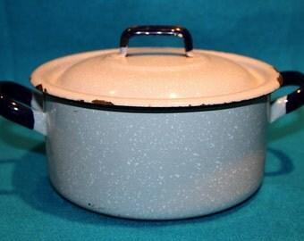 Vintage Graniteware/Enamelware Cooking Pot with Lid