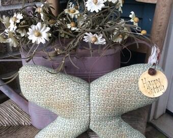 Primitive butterfly tuck/shelf sitter