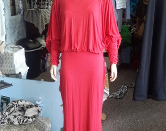 Vintage 1990s maxi dress. Salmon colored 99% cotton. Free shipping to the U.S. and Canada only.