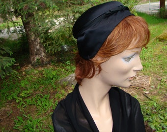 1930s Satin Cloche Hat by I. Magnim