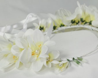 White flower crown, White floral wreath, Wedding crown, Woodland headband, Greek headpiece, headband, Flower girl head wreath, halo, UK