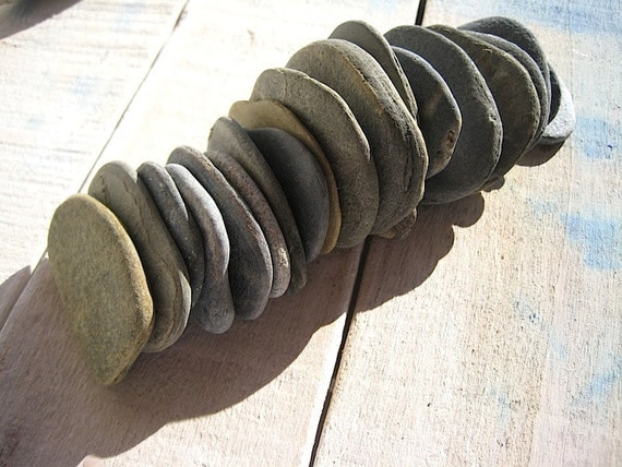 Beach stones flat beach pebbles craft supplies for Flat stones for crafts