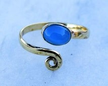 Toe ring, Brass Toe ring, Spiral Toe ring, chalcedony Stone Toe ring, Gemstone Spiral Toe ring, Adjustable Toe ring, Foot jewellery