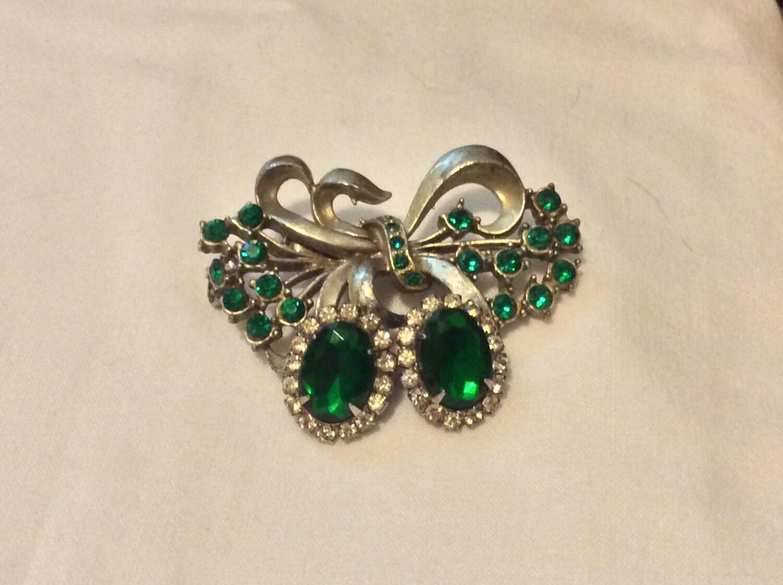 vintage emerald earrings brooch set by nolavintage504 on
