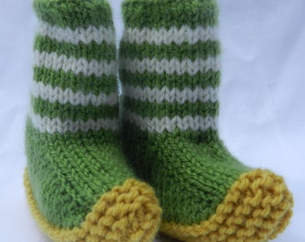Green Knit Baby Shoes, Green Baby Booties, Knit Baby Booties, Green Baby Slippers, Knit Baby Slippers, Striped Baby Socks, Newborn Booties